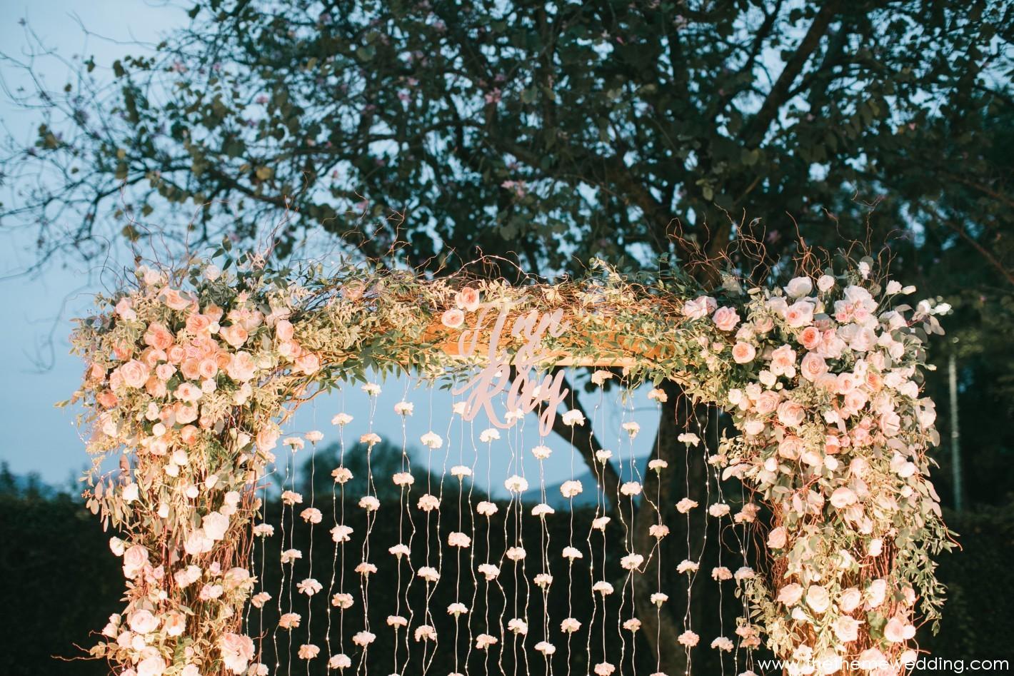 - For more, please visit www.thethemewedding.com